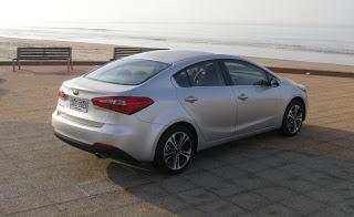Kia-Cerato-2013-Autos-Gallito-Luis-Test-Drive-Precio-Exterior-Genral