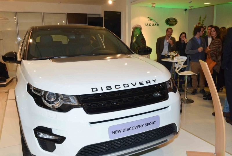 Land-Rover-New-Discovery-Sport-Uruguay
